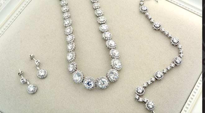 diamond necklaces in Dubai